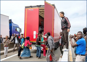 immigrant-crises-calais_01
