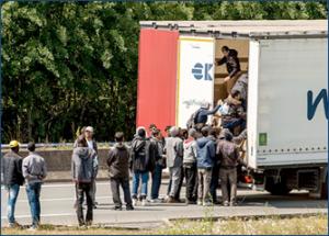 immigrant-crises-calais_02